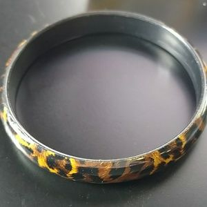 🔥5/$15 leopard acrylic bangle bracelet